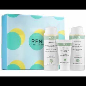 REN Evercalm Sensitive Skin Kit🥰